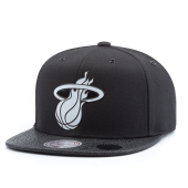 Бейсболка Mitchell & Ness - Miami Heat Ultimate Snapback